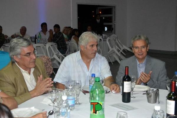 El intendente Pascual anunció una base de 30% de aumento en los salarios para 2015